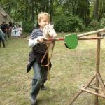 Roland reiten mit einem Steckenpferd