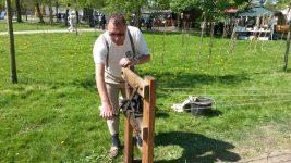 Andreas beim vorführen der Seilerei